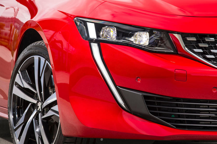 Peugeot 508 front light detail