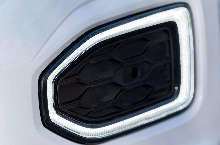 Volkswagen T-Roc 1.0 TSI SE side vent