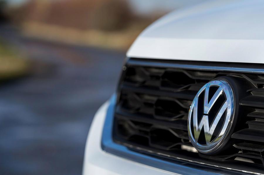 Volkswagen T-Roc 1.0 TSI SE badging