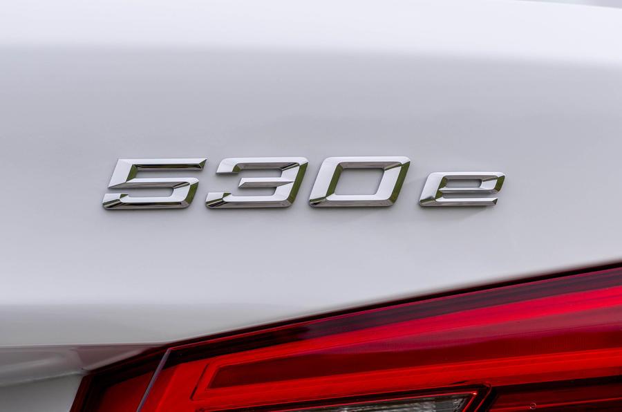BMW 530e badging