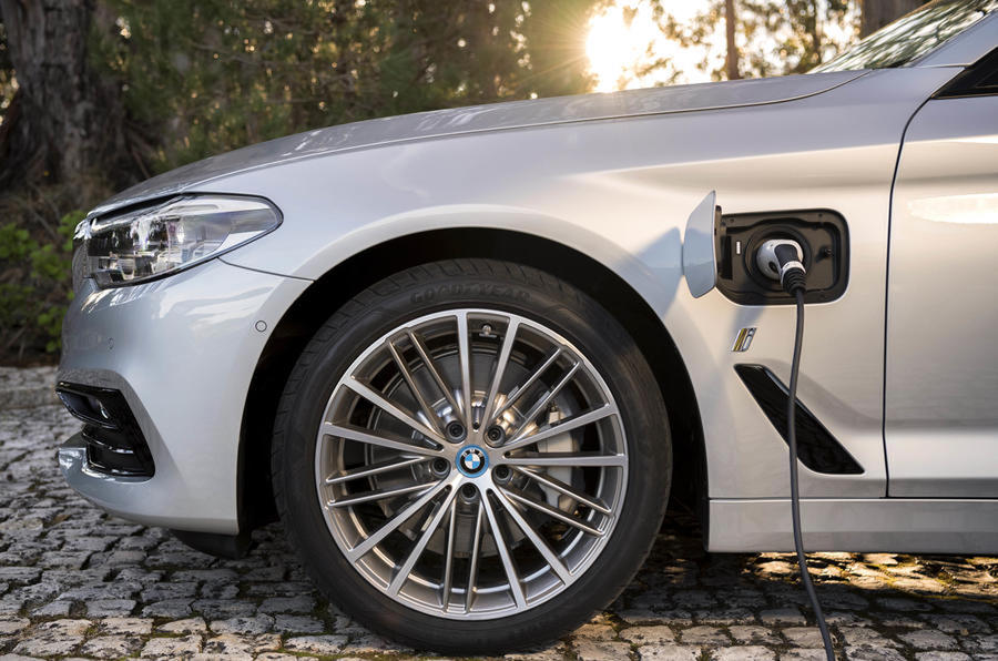 BMW 530e charging