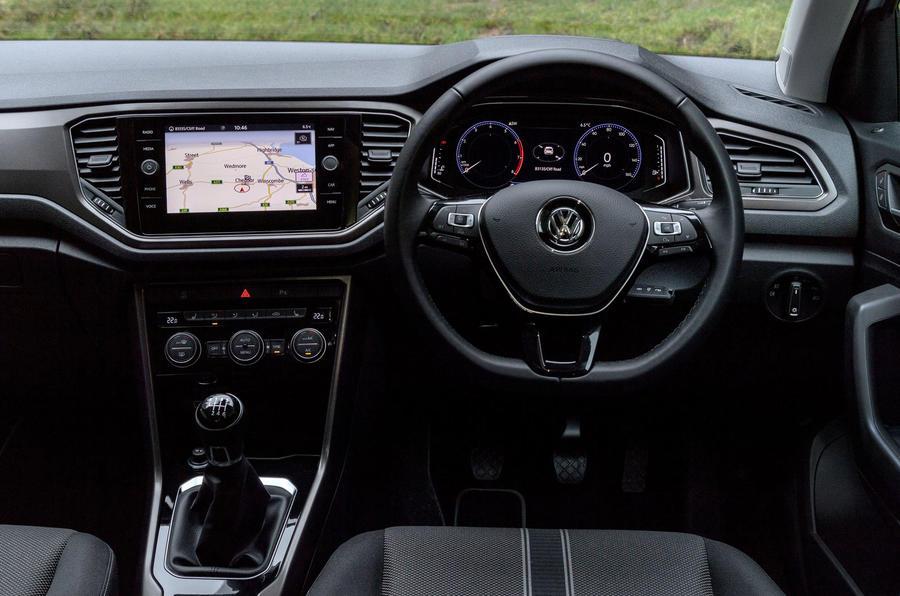 Volkswagen T-Roc 1.0 TSI SE dashboard