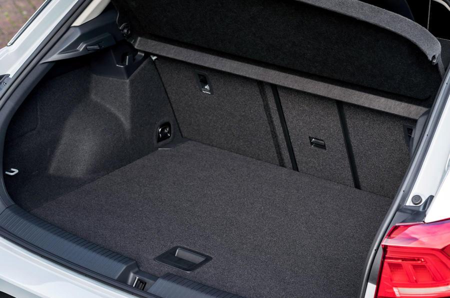 Volkswagen T-Roc 1.0 TSI SE boot space