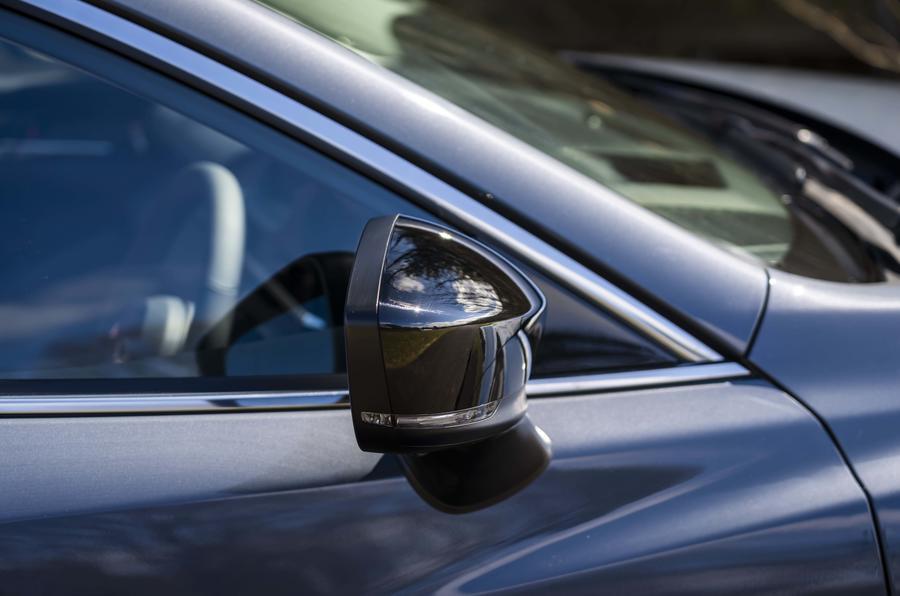 5 Mazda 6 Kuro miroir