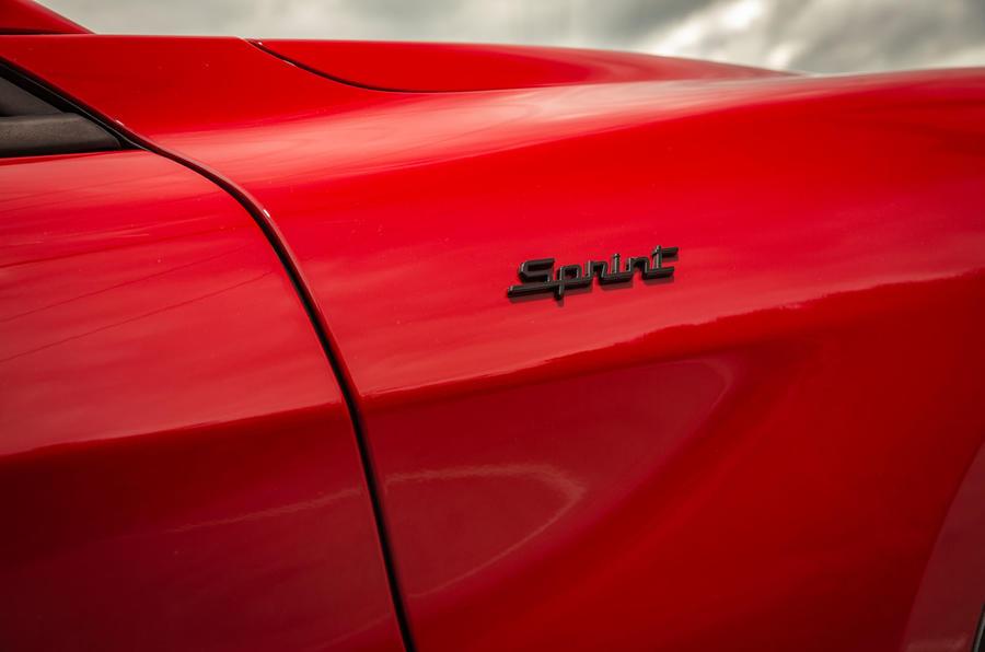 Alfa Romeo Stelvio Sprint 2020 : premier bilan de conduite au Royaume-Uni - badge latéral