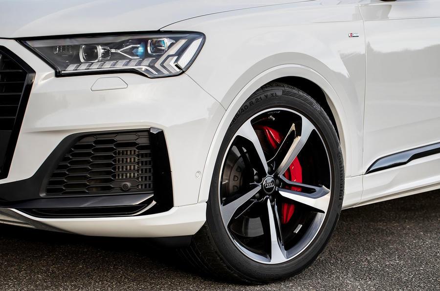 Audi Q7 TFSI e 2019 first drive review - alloy wheels