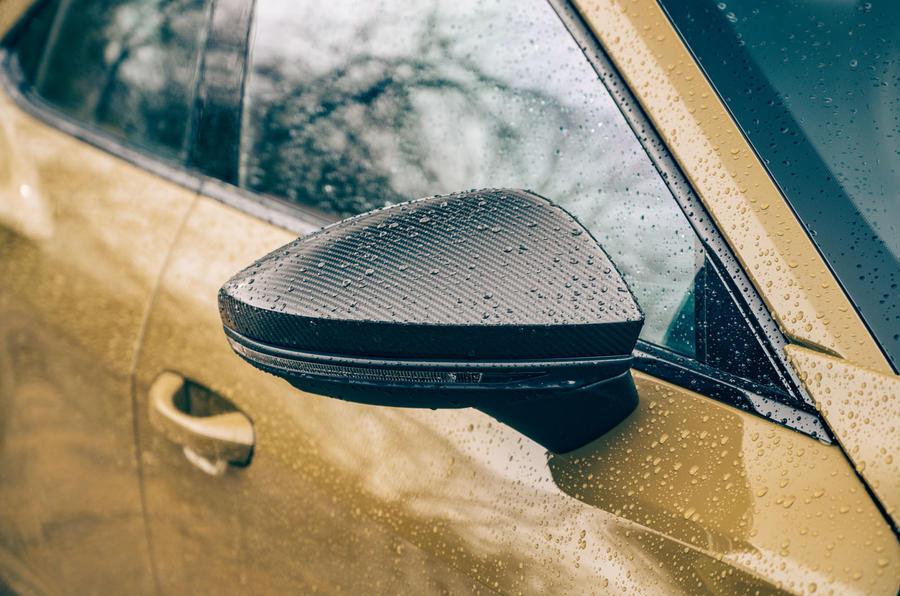6 Audi RS E tron GT 2021 LHD premier miroir d'aile de revue de conduite