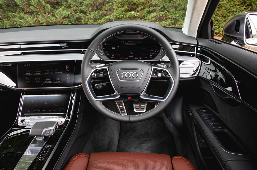 Audi S8 2020 : premier bilan de conduite au Royaume-Uni - tableau de bord