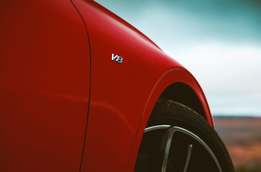 Bentley Continental GT V8 2020 UK first drive review - side model badge