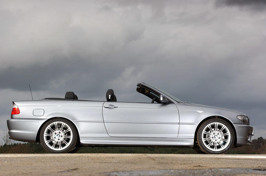 BMW 3 Series convertible 2002 - static side