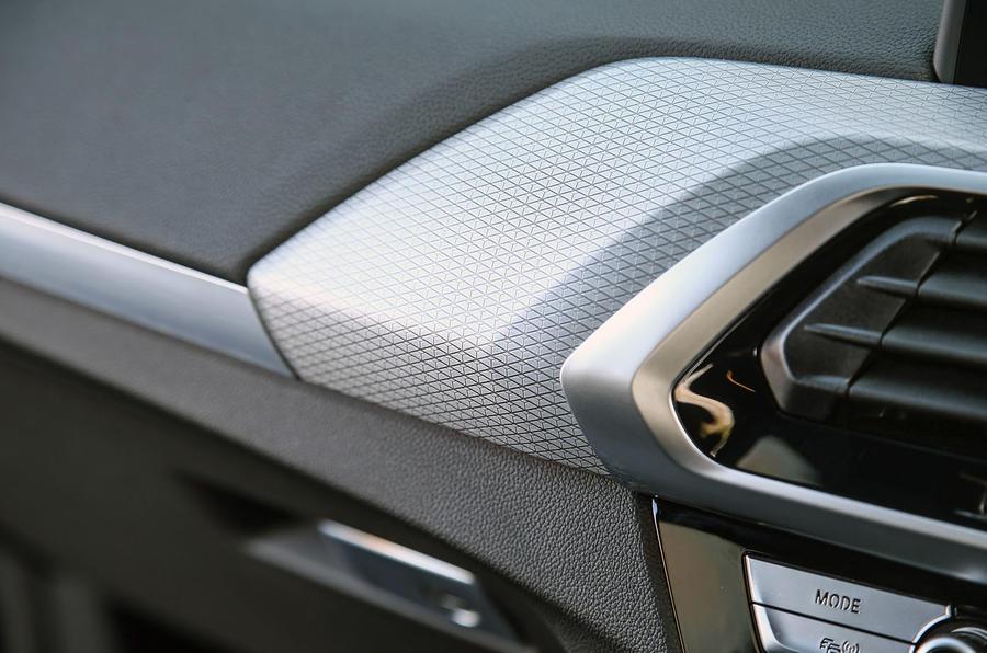 BMW X3 xDrive30e 2020 : premier examen de conduite au Royaume-Uni - garnitures intérieures