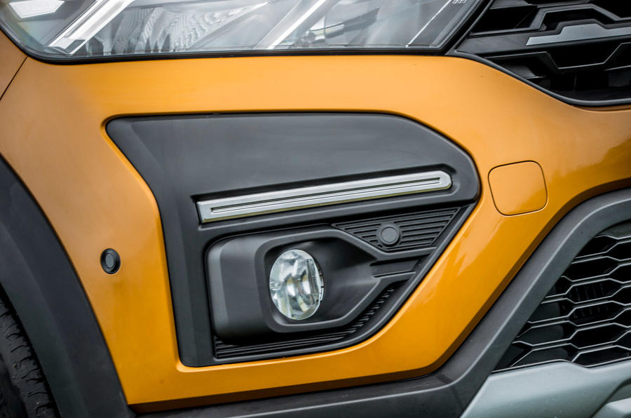 6 Dacia Sandero Stepway 2021 Premier examen des phares antibrouillard au Royaume-Uni