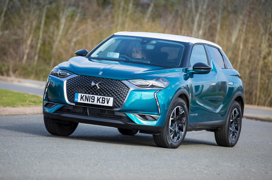 DS 3 Crossback 2019 UK first drive review - cornering front