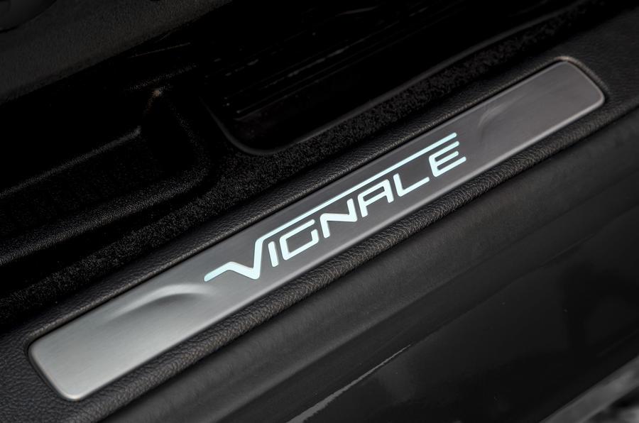 6-ford-edge-vignale-2018-fd-vignale