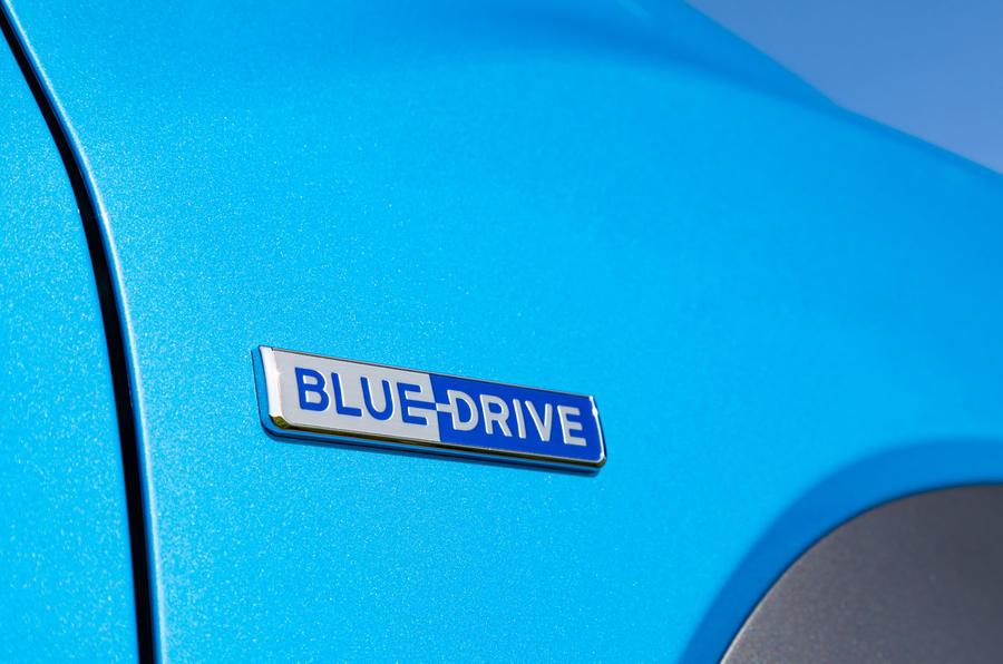 Hyundai Kona Hybrid 2019 first drive review - bluedrive badge
