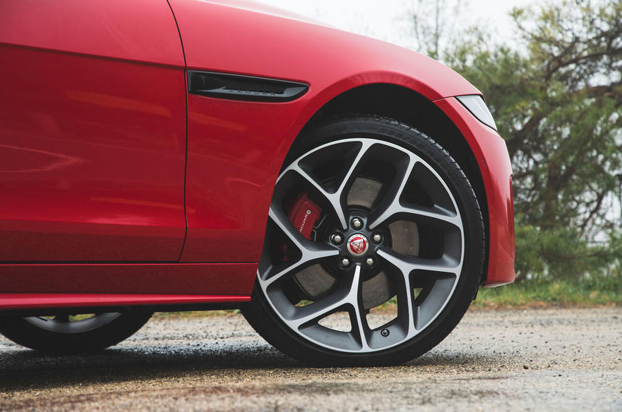 Jaguar XE P300 2019 first drive review - alloy wheels