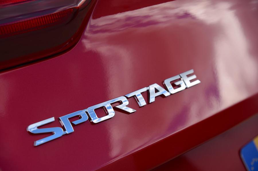 Kia Sportage 1.6 GDI '2' 2018 UK first drive rear badge