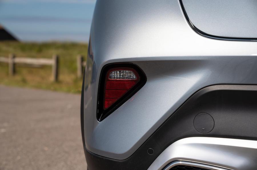 Kia Xceed plug-in hybrid 2020 UK first drive review - rear foglight