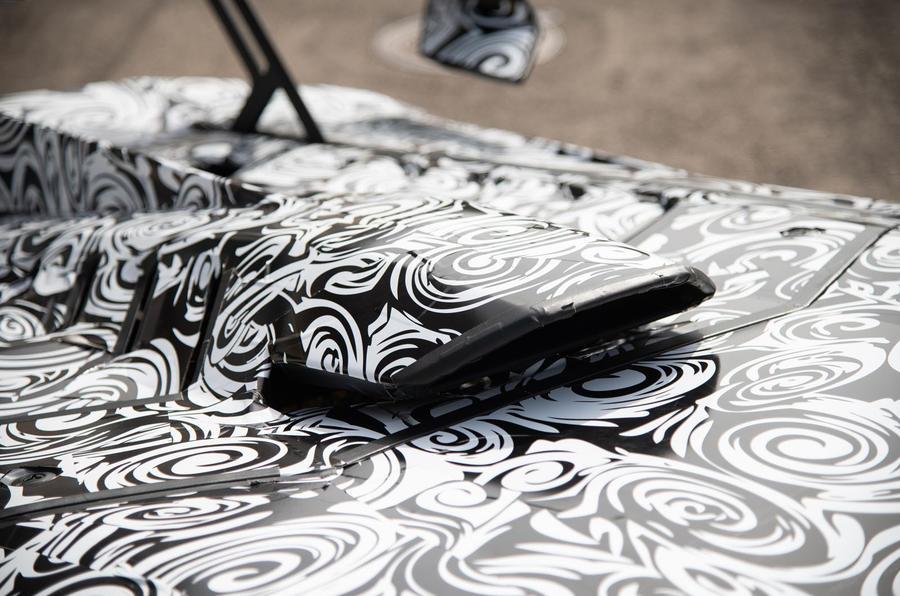 Lamborghini Huracan STO 2020 : premier examen de la conduite - admission sur le toit