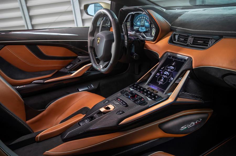 6 Lamborghini Sian 2021 : première cabine d'examen de conduite au Royaume-Uni