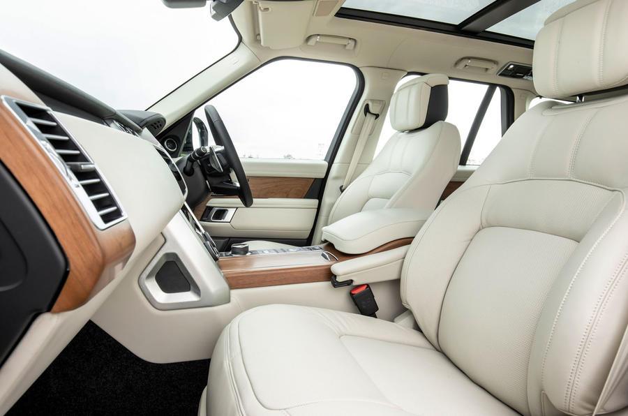 Land Rover Range Rover D300 2020 Premier bilan de conduite au Royaume-Uni - cabine