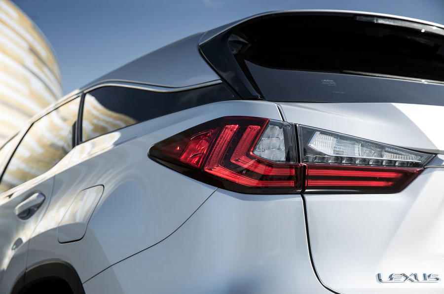 Lexus RX 450hL 2018 review rear lights