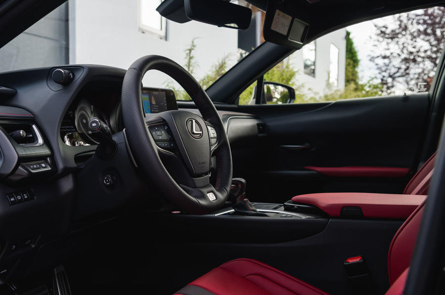 Lexus UX 250h F Sport 2018 first drive review steering wheel