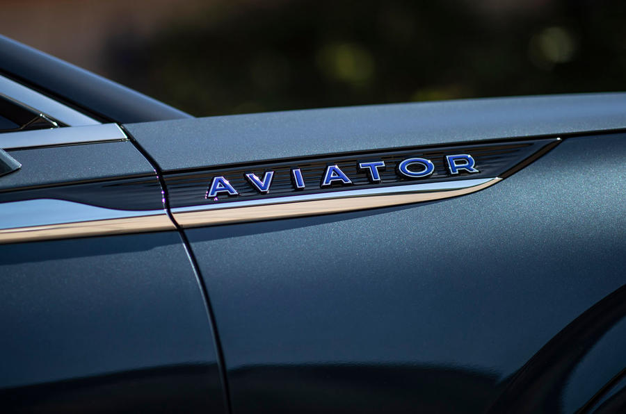 Lincoln Aviator 2020 first drive review - side badging