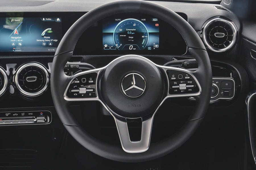 Mercedes-Benz A-Class A180 SE 2019 first drive review - steering wheel