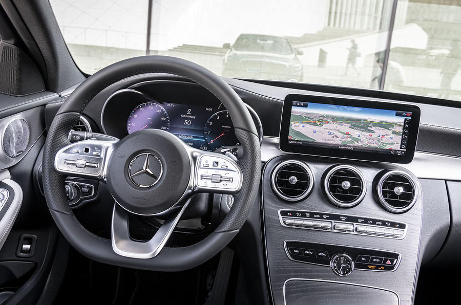 Mercedes-Benz C-Class C200 2018 review steering wheel