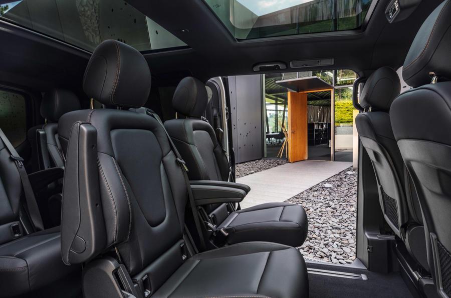 6 Mercedes Benz EQV 2021 LHD : essai routier - sièges arrière