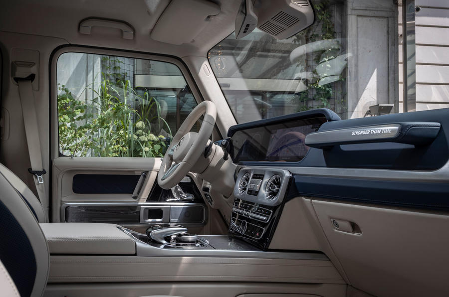 Mercedes-Benz G400d 2019 first drive review - cabin