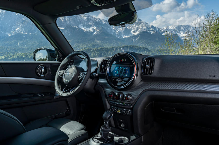 Mini Countryman Cooper S E All4 2020 first drive review - cabin
