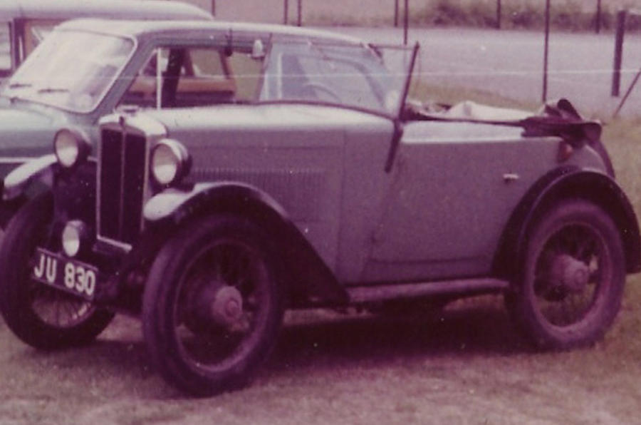Morris Minor two-seater tourer - static front