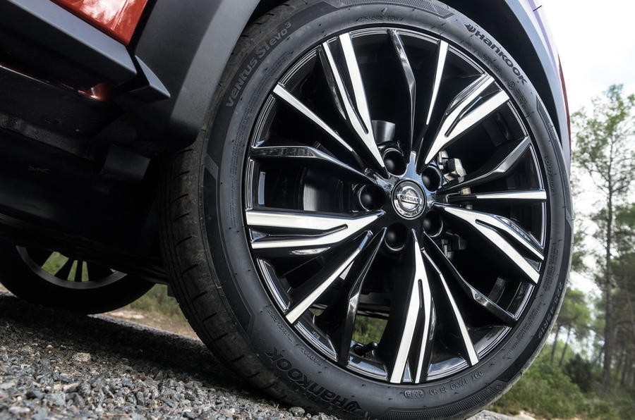 Nissan Juke 2019 first drive review - alloy wheels