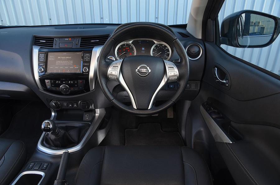 Nissan Navara 2020 : premier bilan de la conduite au Royaume-Uni - tableau de bord