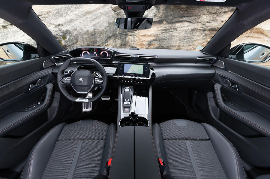 Peugeot 508 SW 2018 first drive review - cabin