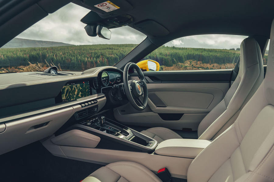 Porsche 911 Carrera 4S 2019 UK first drive review - cabin