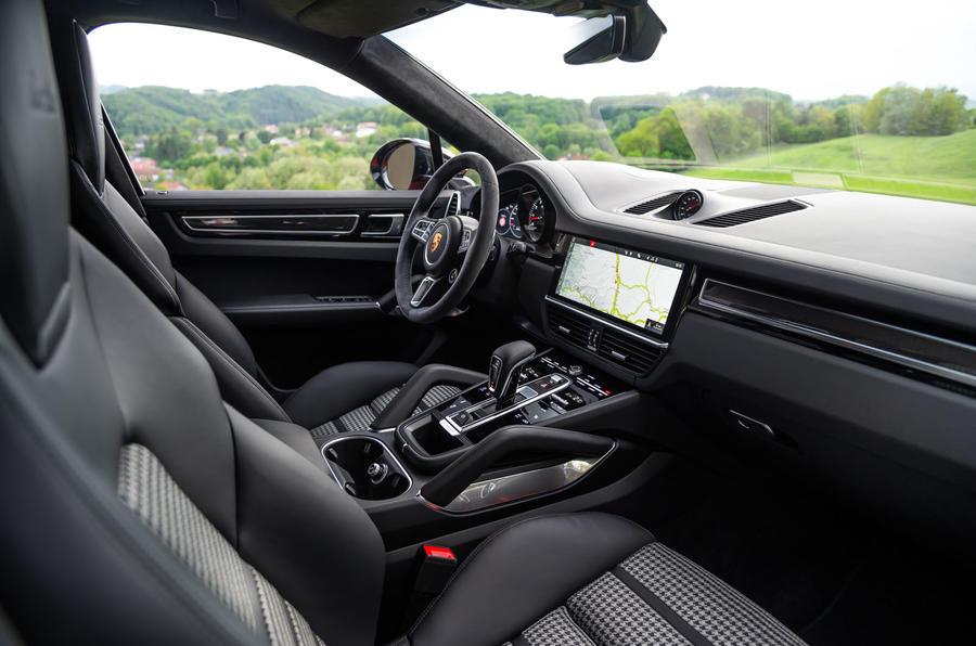 Porsche Cayenne Coupé 2019 first drive review - cabin