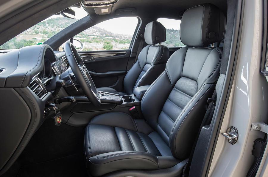 Porsche Macan S 2019 first drive review - cabin
