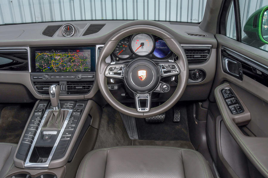 Porsche Macan S 2019 UK first drive review - dashboard