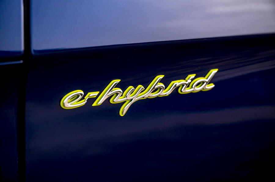 6 Porsche Panamera Turbo S E Hybrid ST 2021 UE FD badge latéral
