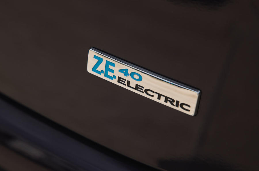 Renault Zoe R110 2018 UK first drive review badges