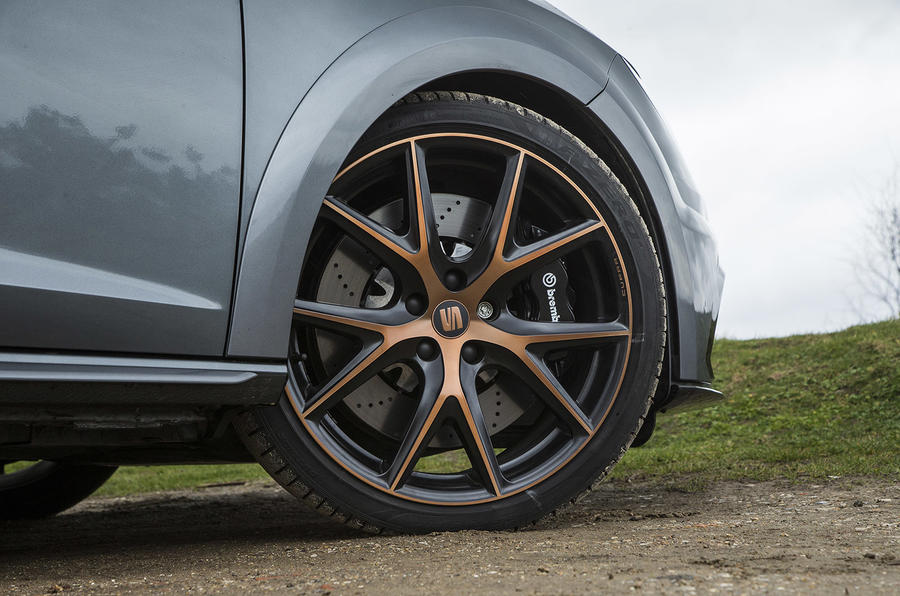 Seat Leon Cupra R 2018 UK review front wheels