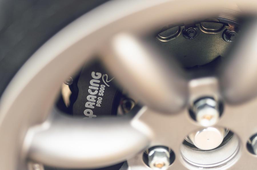 6 Tolman Talbot Sunbeam Lotus 2021 : première révision des étriers de frein