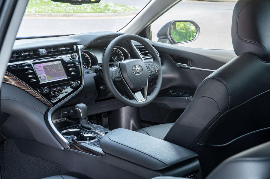 Toyota Camry 2019 UK first drive review - cabin