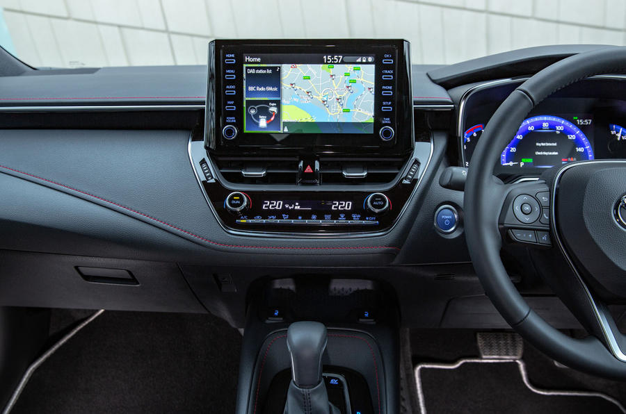 Toyota Corolla hatchback 1.8 hybrid 2019 UK review - infotainment