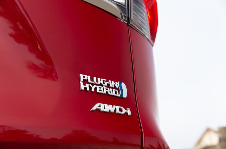6 Toyota RAV4 PHEV 2021 : le premier badge arrière de l'examen de conduite au Royaume-Uni