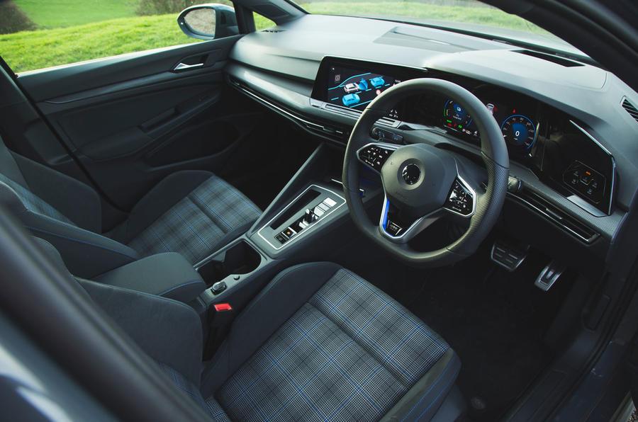 Volkswagen Golf GTE 2020 : premier bilan de conduite au Royaume-Uni - cabine