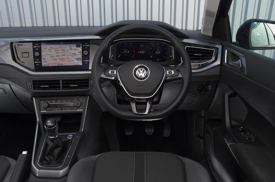 vw-polo-tdi-2018-cabin